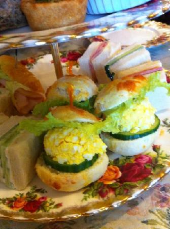 Adonia: cute sandwiches