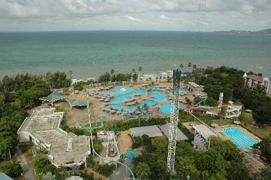 Pattaya Park Beach Resort: The water park seen from my room