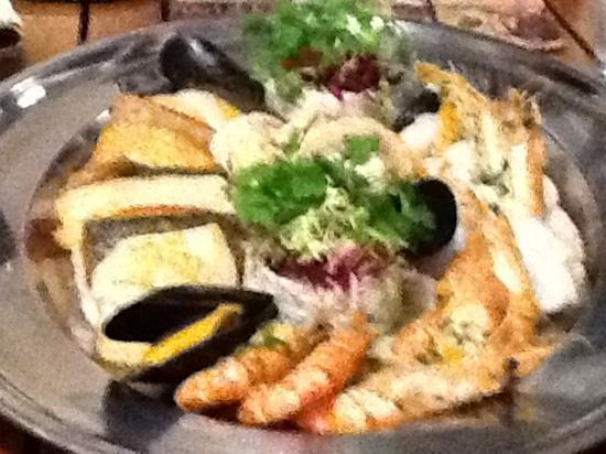 The Duke of Richmond Hotel: the seafood platter recommended by George.