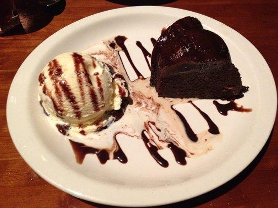 J Alexander's Orlando: choc cake!