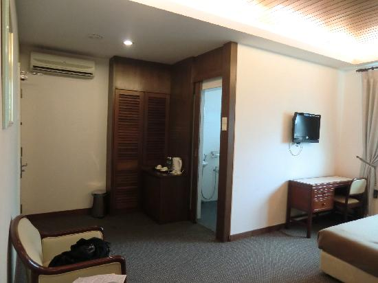 D Eastern Hotel: single room