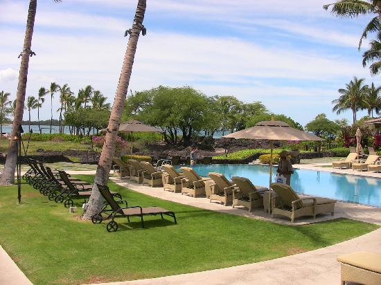 Kolea at Waikoloa Beach Resort: great pool - beautiful grounds