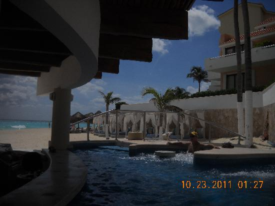 Omni Cancun Resort & Villas: jacuzzi bar