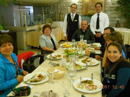 Ambassador Hotel: La comida de primera.