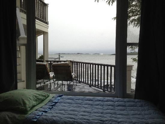 Notorious Annie's Waterfront Inn : My air mattress in the bedroom...nice view :)