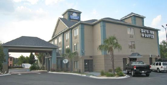 Days Inn Jesup: Here it is - next to Ramada