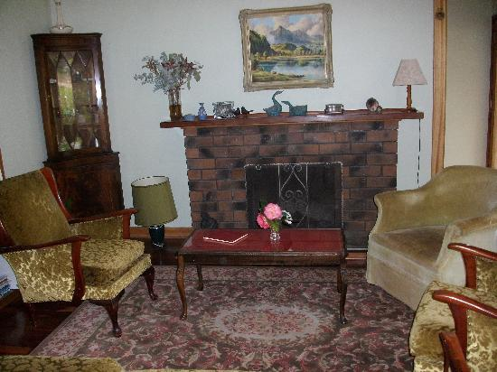 Sundance Bed and Breakfast: Cosy fire