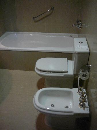 Alejandro 1 Hotel Internacional Salta: Badezimmer
