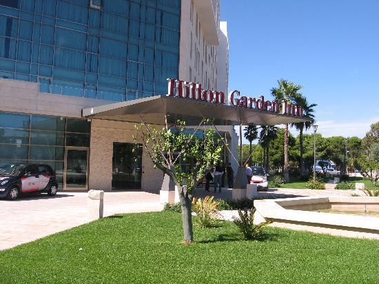 Hilton Garden Inn Lecce: ingresso dell' hotel