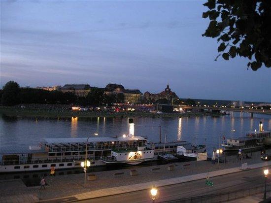 Schiffsanlegestelle Dresden