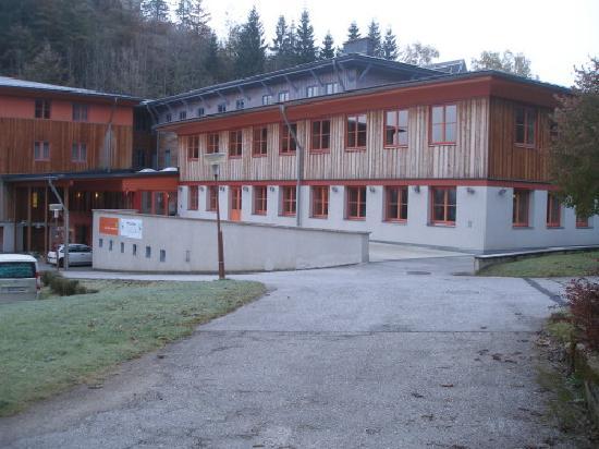 JUFA Hotel Mariaell - Sigmundsberg: Außenanlage des JuFa Sigmundsberg