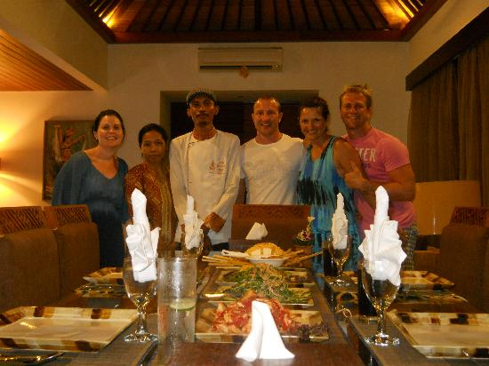 Villa Seriska Satu: Our wonderful dinner prepared by Ketut and Kadak