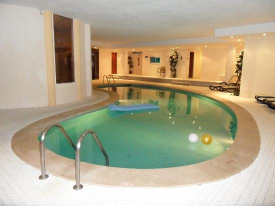 Hipotels Coma Gran Aparthotel: indoor pool