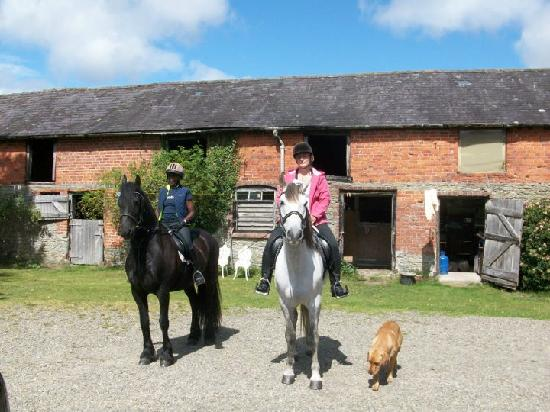 Lower Buckton Country House: Before we set off on our adventures