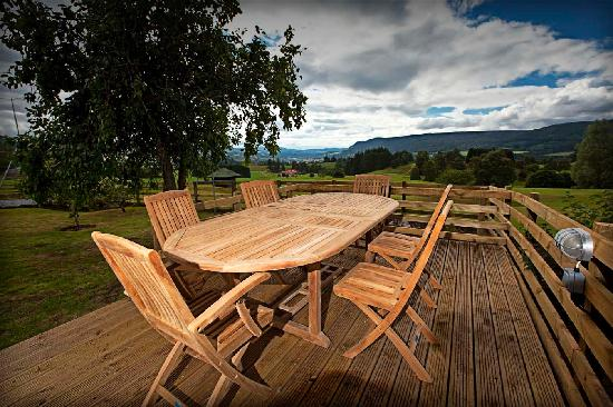 Pitlochry Golf Club: Decking outside one of pitlochry Golf Estate Cottages
