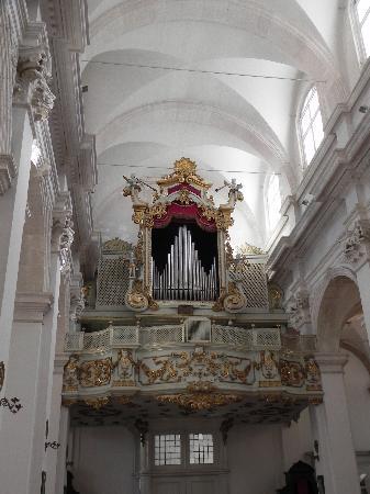 Cathedral Treasury: Dubrovnik Cathedral - organ