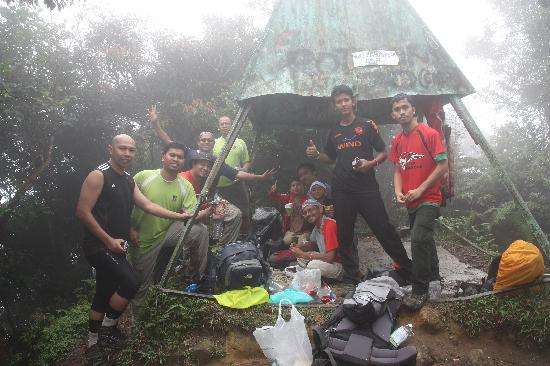 Gunung Nuang: Reach the top