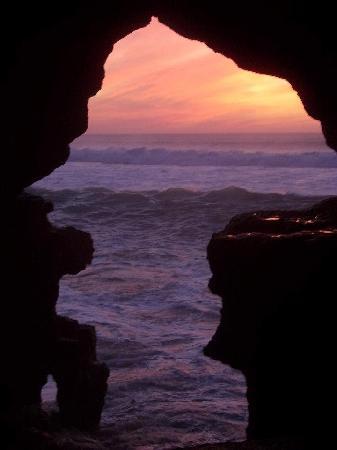 Hercules Cave : anochecer en la gruta