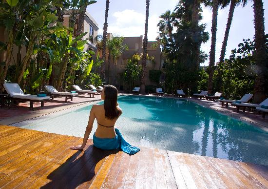 Les Jardins de la Medina : The beautiful swimming pool, which is heated in the winter months, is a rare luxury, especially