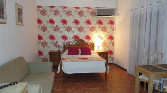 Residencial Hotel Por do Sol: Spacious room