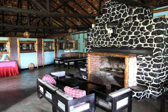 Momella Wildlife Lodge: Kaminzimmer