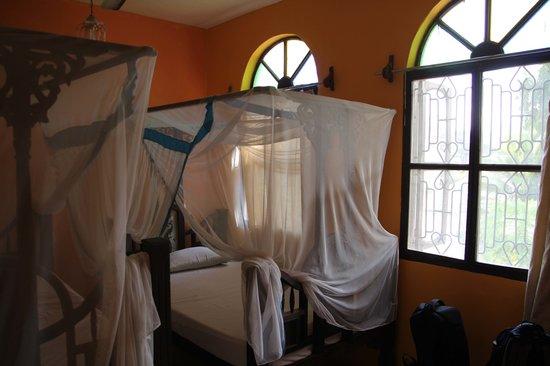 Garden Lodge: Zimmer mit Sansibar-Bett