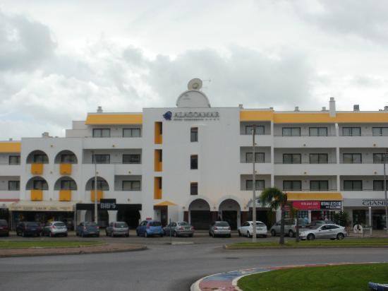 Alagoamar Aparthotel: The Alagoa Mar Hotel in Albufeira...AWFUL!!!