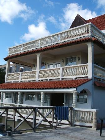 Chateau Des Amis St Lucia