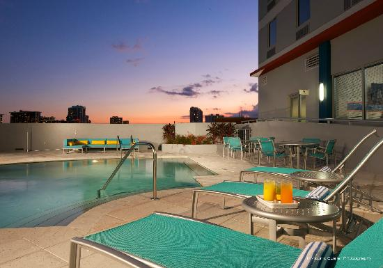 Hampton Inn & Suites by Hilton - Miami/Brickell-Downtown: Pool/Spa Deck