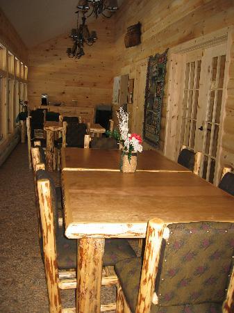 Packbasket Adventures: Lodge Dining Room