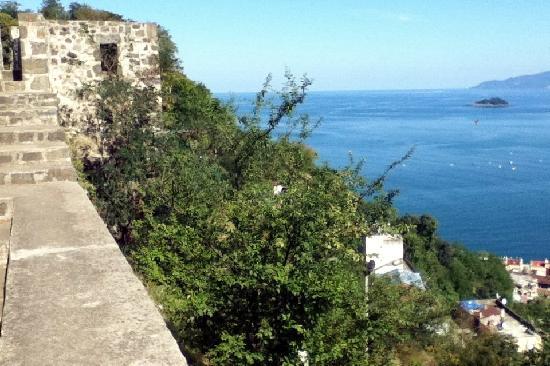Giresun Kalesi - Picture of Giresun Castle, Giresun ...