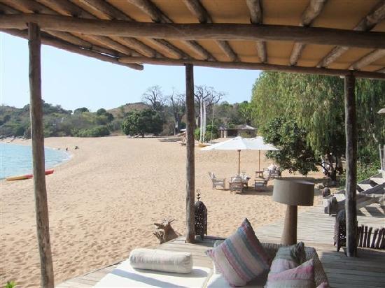 Kaya Mawa: Open lounge and dining area