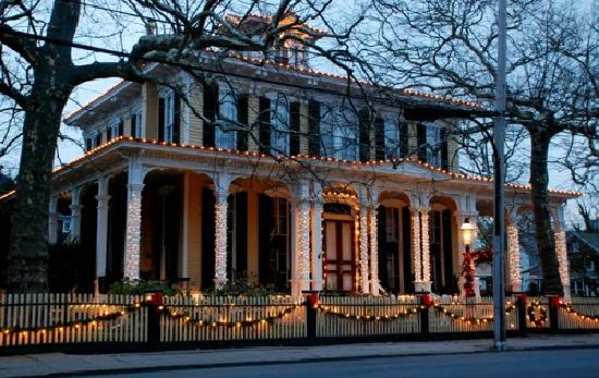 Mainstay Inn and Cottage: Christmas at the Mainstay