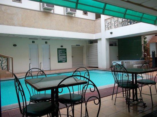 DM Residente: Swimming pool