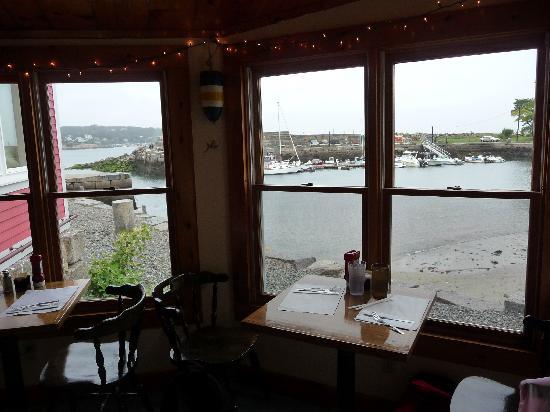 Fish Shack Restaurant : Jolie vue sur le petit port