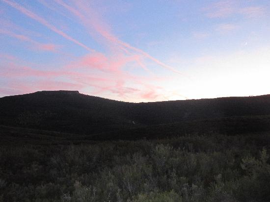 El Caseron de Linarejos: Anochecer en la Sierra de la Culebra