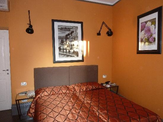 Relais Palazzo Taverna: our bedroom