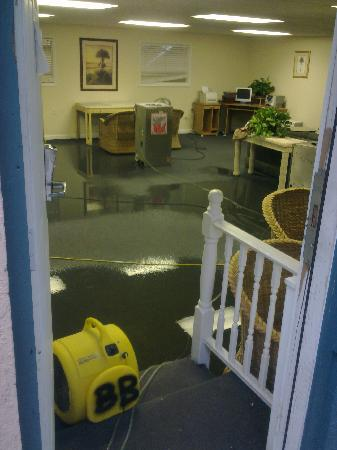 Banana Bay Resort - Key West: Breakfast room flooded