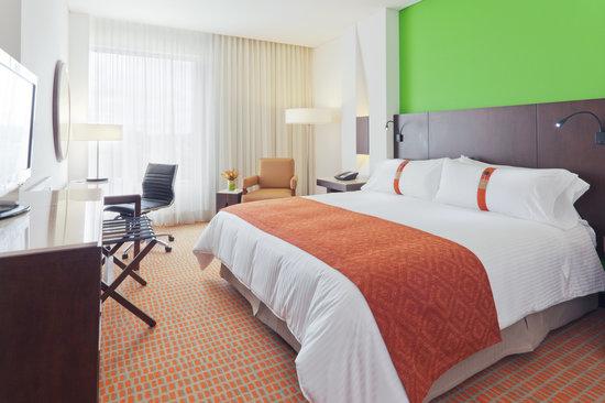 Holiday Inn Bogota Airport: King Deluxe Room