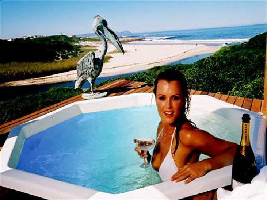 Kennedys Beach Villa: Beach Suite View