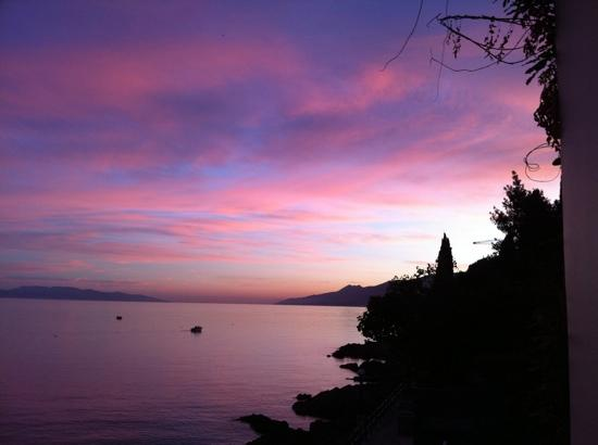 Opatija, Kroasia: lungomare al tramonto
