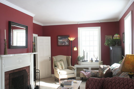 Mary's Meadow Bed and Breakfast: Living Room