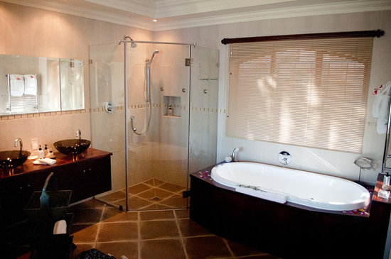 Villa Paradisa Guest House: Great bathroom facilities
