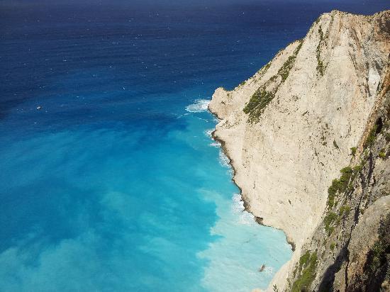 Atlantis Hotel: Ship Wreck Cove Blue Sea