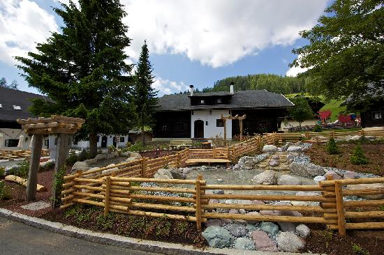 Kirchleitn Dorf Kleinwild: Natur-Wasserspielplatz