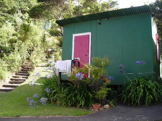 A simple cabin at Te Mata Lodge