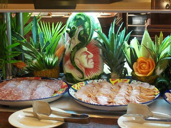 Decoracion En El Buffet Picture Of Hotel Riu Palace