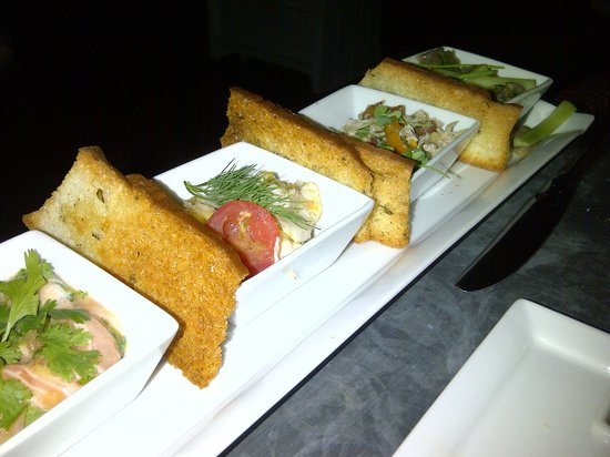 Fig & Olive Melrose Place: Ceviche assortment