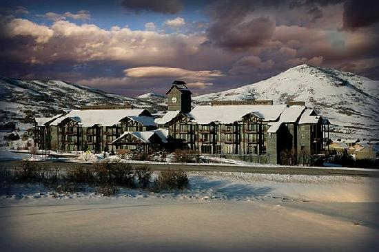 Lodge at Stillwater: Enjoy the tranquility of the mountains