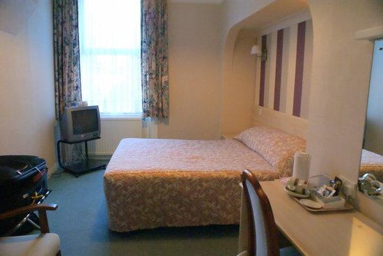 New Wilmington Hotel : Bed